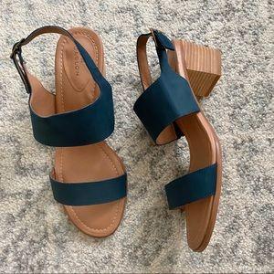 Caslon Carden Block Heel Slingback Sandals Size 11